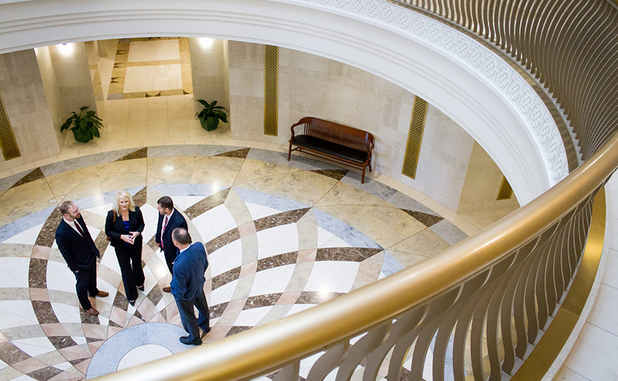 Image of attorneys in the courthouse rotunda
